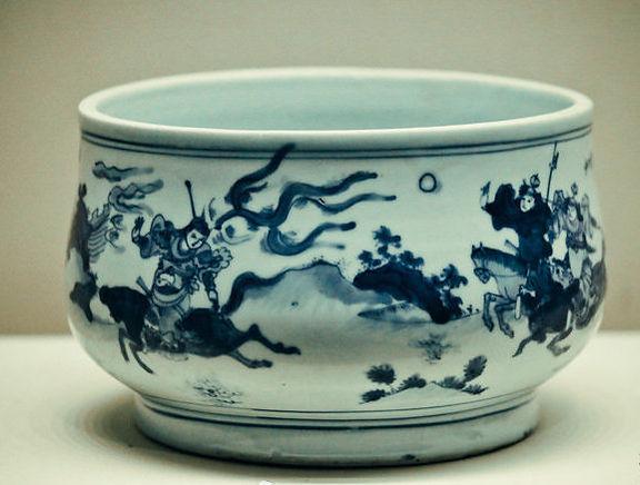 Porcelain Censer Produced During Tianqi Emperor's Reign