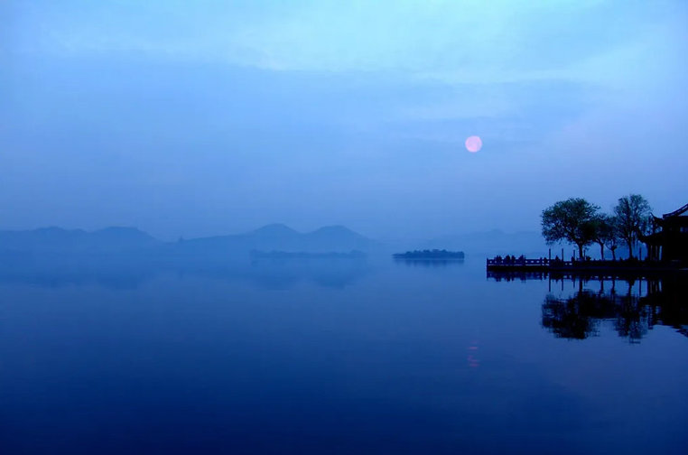 Nightview of West Lake
