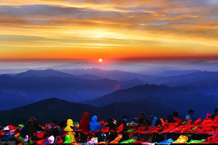 Sunrise of Mount Wutai