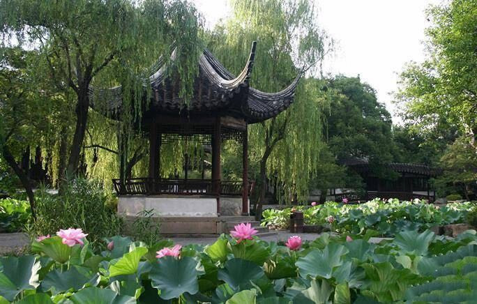 Lutos Wind Pavillon or Hefeng Simian Ting (荷风四面亭)