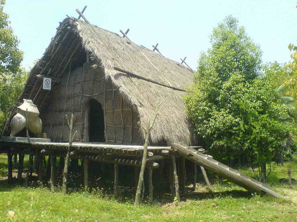 Reduction Model of Treehouse of Hemudu Culture (5000 BC — 3300 BC), Believed the Descendents of the Kingdom You Chao.