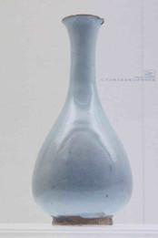 Yu Hu Chun Shape Moonlight White Glaze Bottle of the Yuan Dynasty — Shanxi Museum