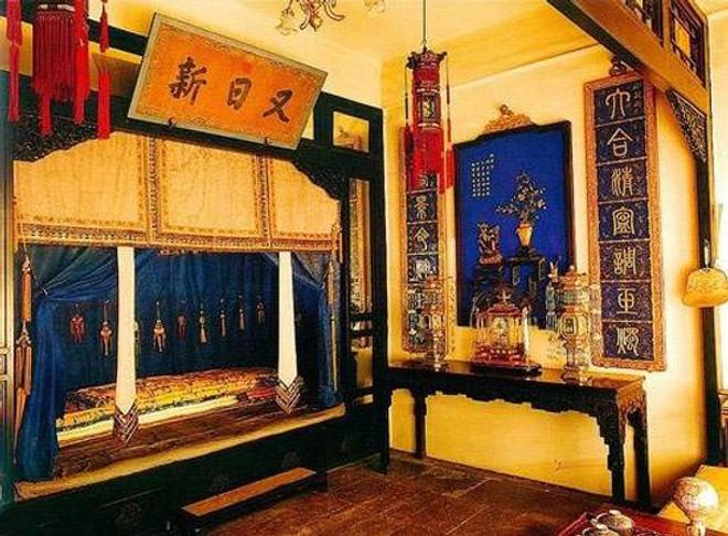 Bedroom of Yongzheng Emperor Yingzhen (1678 —   1735)
