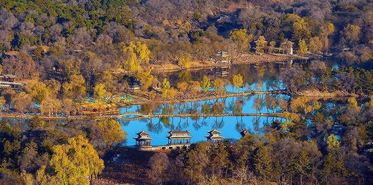 Buildings in Natural Landscape of Chengde, Photo from Official Site of Chengde Mountain Resort.