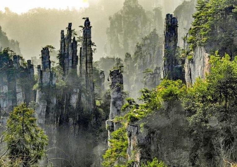 Stunning Peaks of Tianzi Mountain in Wulingyuan Scenic Area of Zhangjiajie