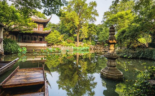Crystal Clear Hall or Mingse Lou of Lingering Garden