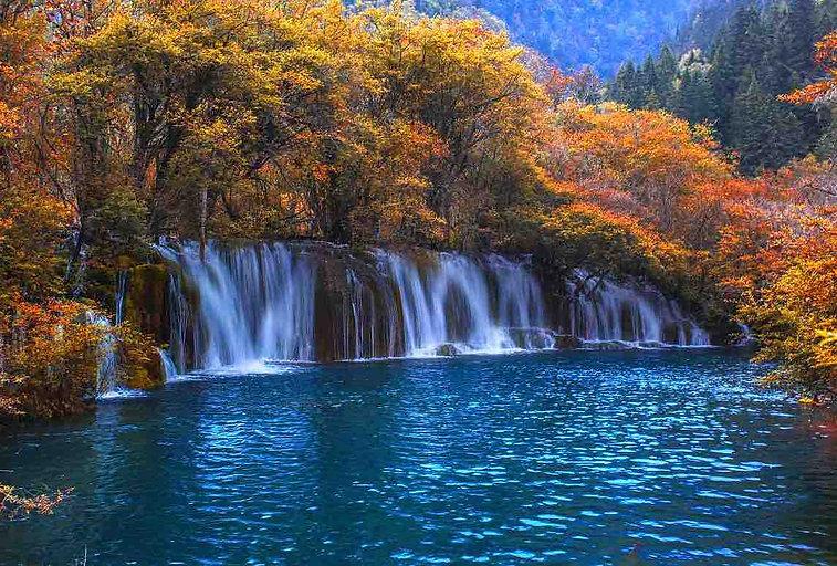 Jianzhuhai or Arrow Bamboo Lake Waterfall of Jiuzhaigou