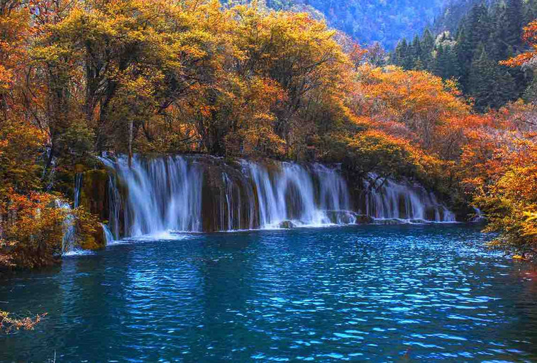 Jianzhuhai or Arrow Bamboo Lake Waterfall of Jiuzhaigou