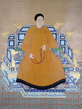 Portrait of Empress Xiaozhuangwen, By Court Artist of the Qing Dynasty