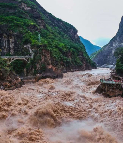 Tiger Leaping Gorge or Hutiao Xia of Lijiang