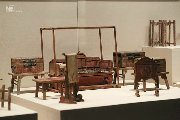 Exquisite Furnitures Unearthed From Tomb of Prince Zhu Tan of the Ming Dynasty