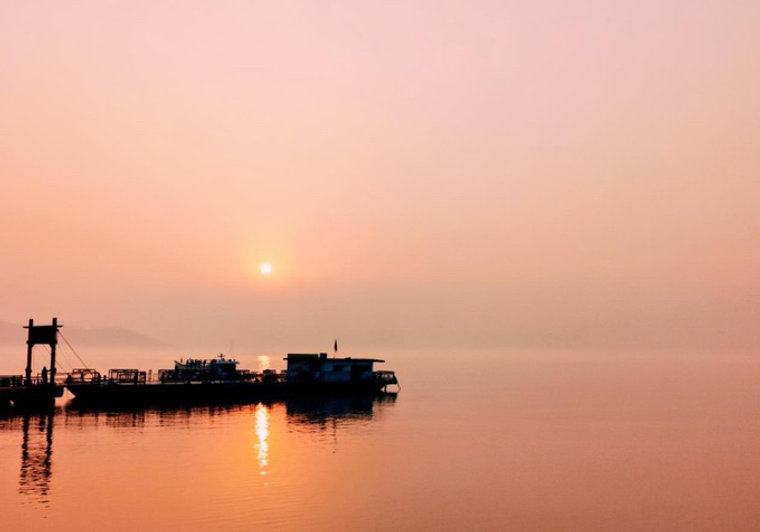 A Pier on Chaohu Lake, Photo from Official Site of Chaohu.