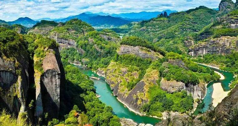 Nine Bend River, or Jiuqu Xi of Mount Wuyi