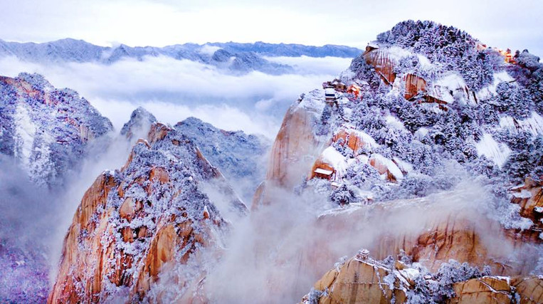 Mount Hua in Winter, Photo by Tao Ming.