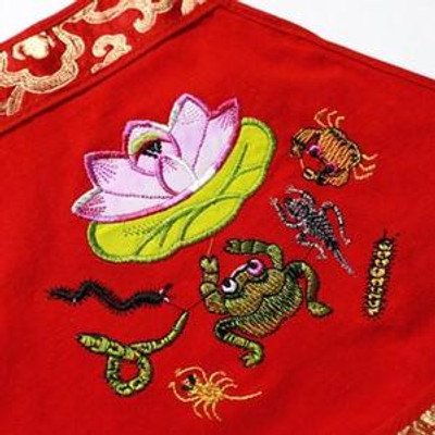 Embroidery of the Five Poisonous Pests on the Dragon Boat Festival
