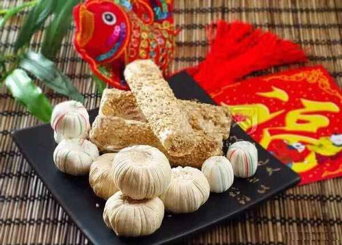 Malt Sugar Candy or Tanggua, the traditional food of Chinese New Year.