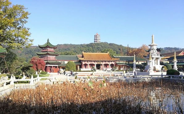 Donglin Temple of Mount Lu, Photo by Feicui.