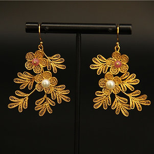 Filigree Inlaying and Gem Decorated Peach Blossom Earrings