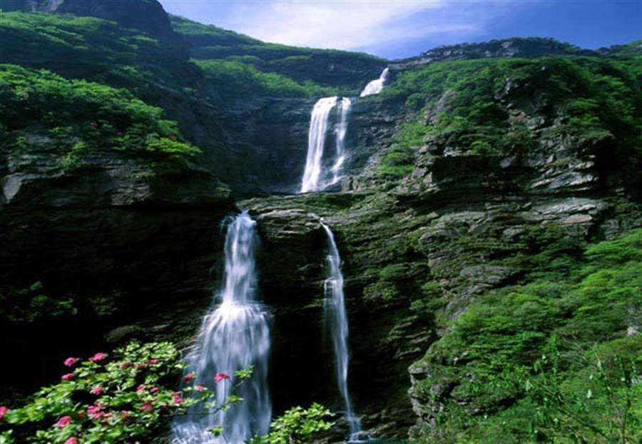 Tortuous waterfall