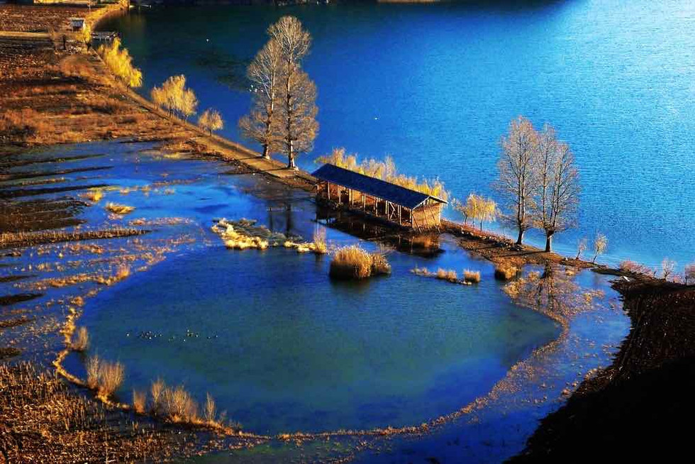 泸沽湖.jpg