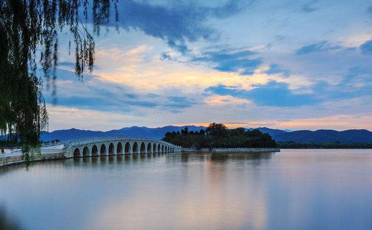 Seventeen Arches Bridge to Nanhu Island, One of the Three Islands on the Kunming Lake.