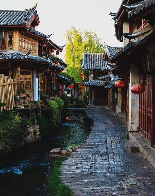 Traditional Ancient Dwellings and Lanes of Dayan Old Town in Lijiang