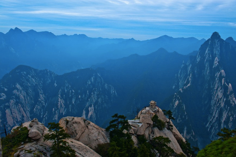Chess Pavilion on a peak of Mount Hua