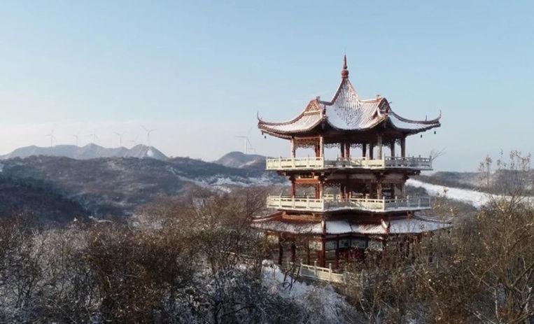 Yinping Mountain near Chaohu Lake, Photo from Official Site of Chaohu Lake.