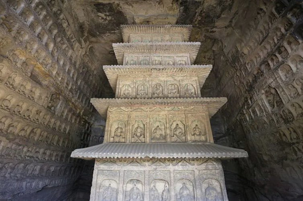 Smaller Statues of the 39th Cave Built During the Late Period, Photo from the Official Site of Yungang Grottoes.