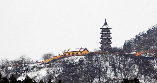 Hongjue Temple in Niushou Mountains of Nanjing City, Nearby is Zheng He's Tomb