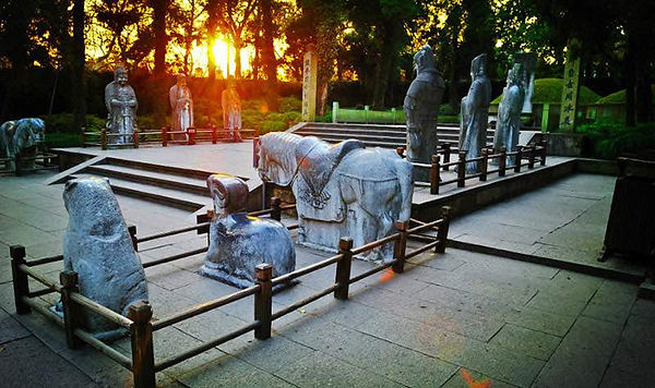 Tomb of General Yue Fei in the Memorial Temple of West Lake Scenic Area