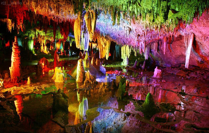 Karst Cave in Zhangjiajie -- The Cave of Yellow Dragon (Huang Long Dong)