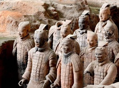 Middle and Lower Rank Officers in the Terracotta Army