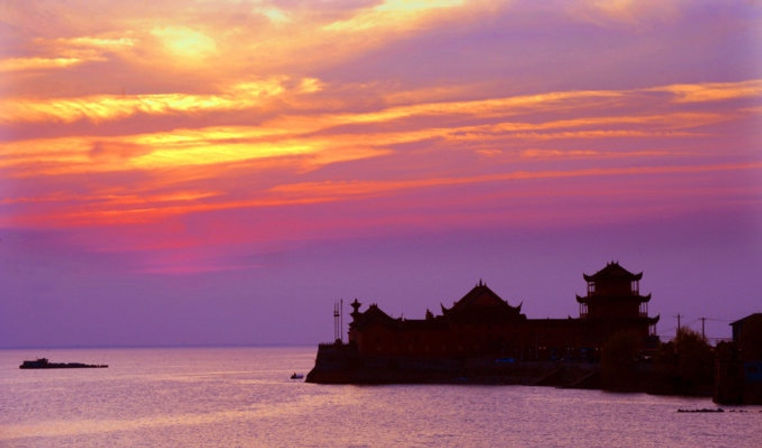 Buildings on Zhongmiao Temple, Photo from Official Site of Chaohu Lake.