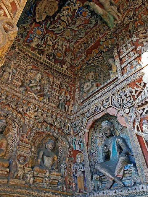 Buddhist Statues and Reliefs in Cave of the Yungang Grottoes, Photo by Dongmaiying.