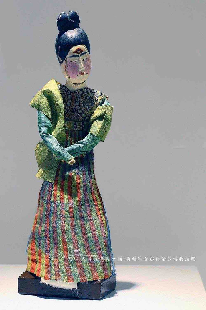 Painted Wooden Figurine of Dancer of the Tang Dynasty — Xinjiang Museum