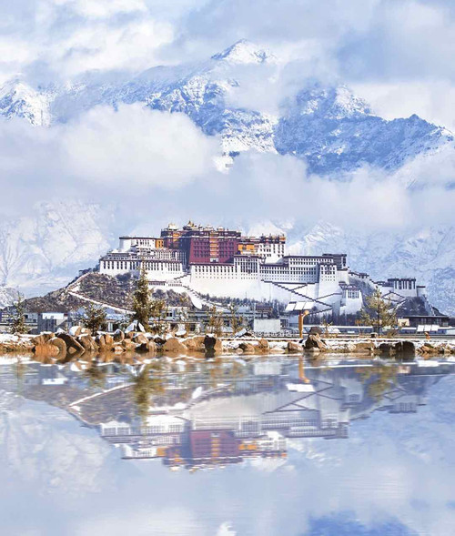 Panoramic of the Potala Palace, Photo from VCG.