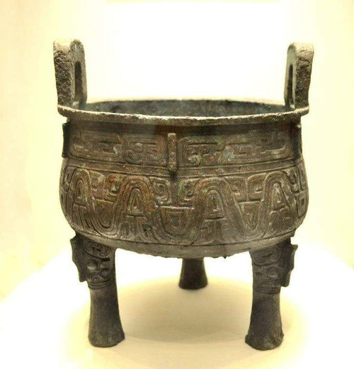 Bronze Tripod (Ding) Made by Yu, Inscriptions inside Recorded Him Assisted the King Li of Zhou Conquered A Rebel War Initiated by Some Feudal Lords
