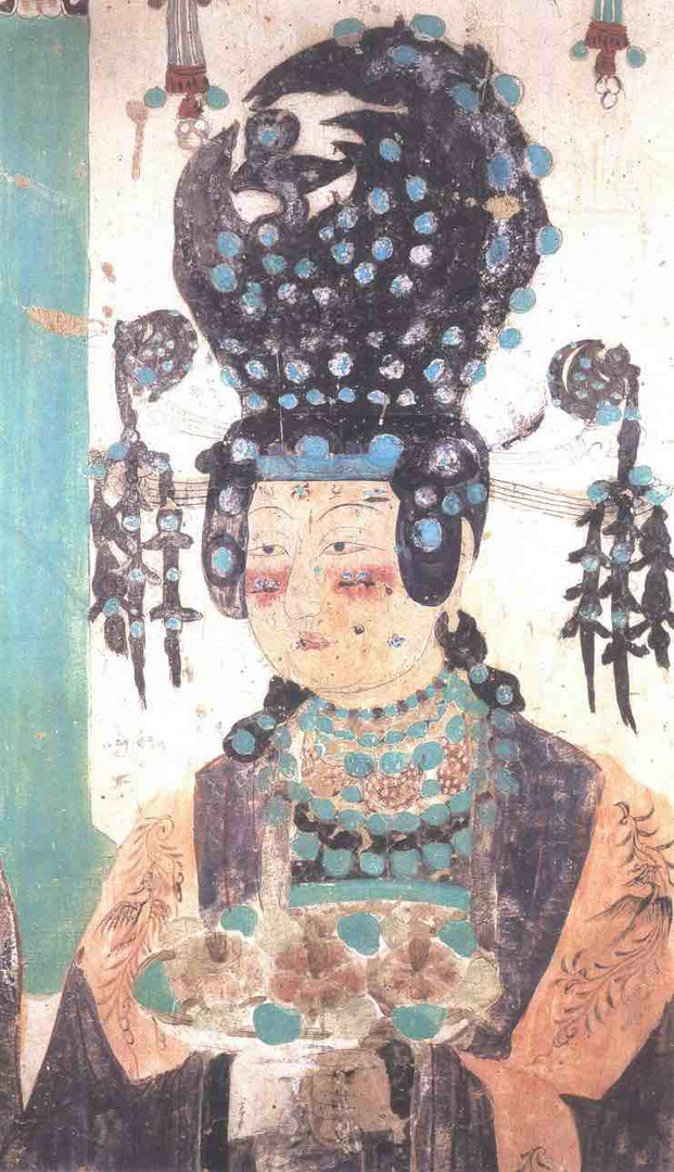 Hair Ornaments, Mogao Cave 61, Photo by Sun Zhijun.