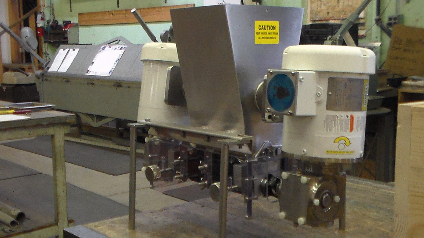 Cohesive Material Depositor