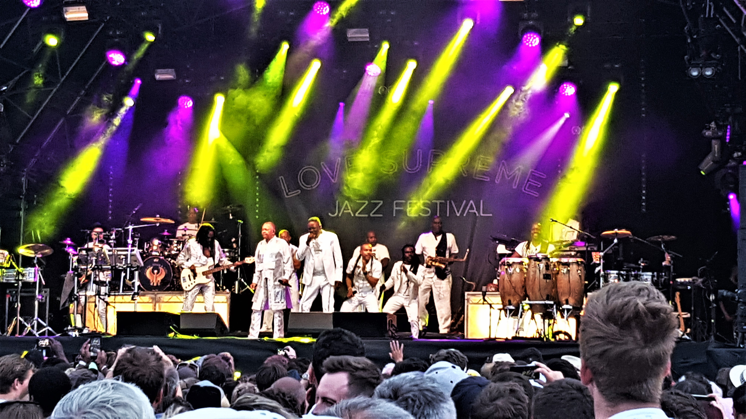 Earth, Wind & Fire - Main Stage