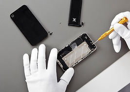 Fixing%20a%20Smartphone_edited.jpg