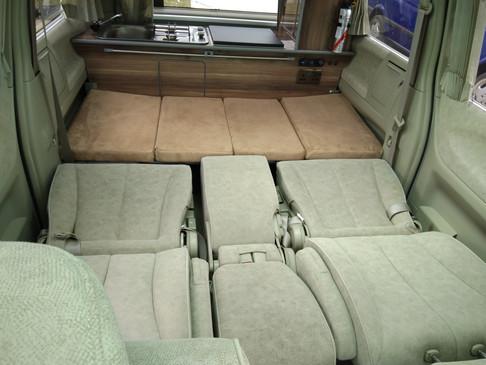 HW03 MKF Nissan Elgrand 7