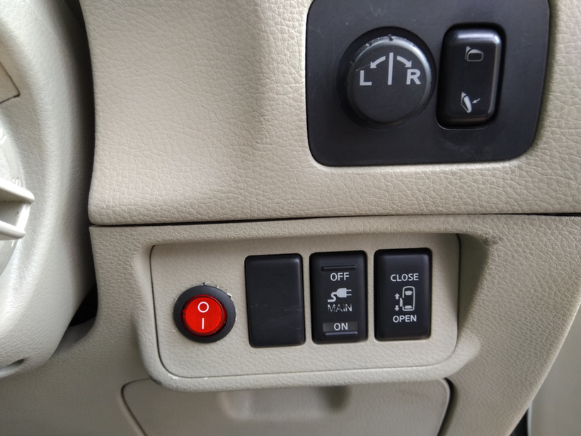 HW03 MKF Nissan Elgrand 21