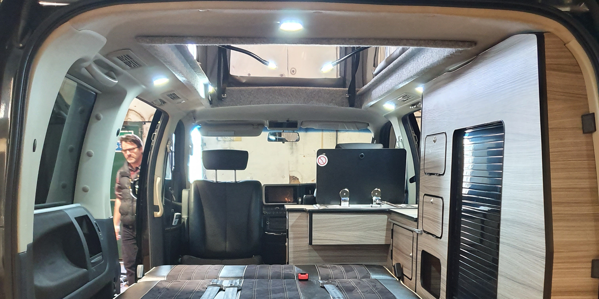 48 RR Side Conversion - Nissan Elgrand