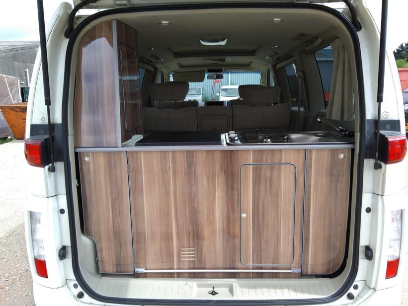 HW03 MKF Nissan Elgrand 6