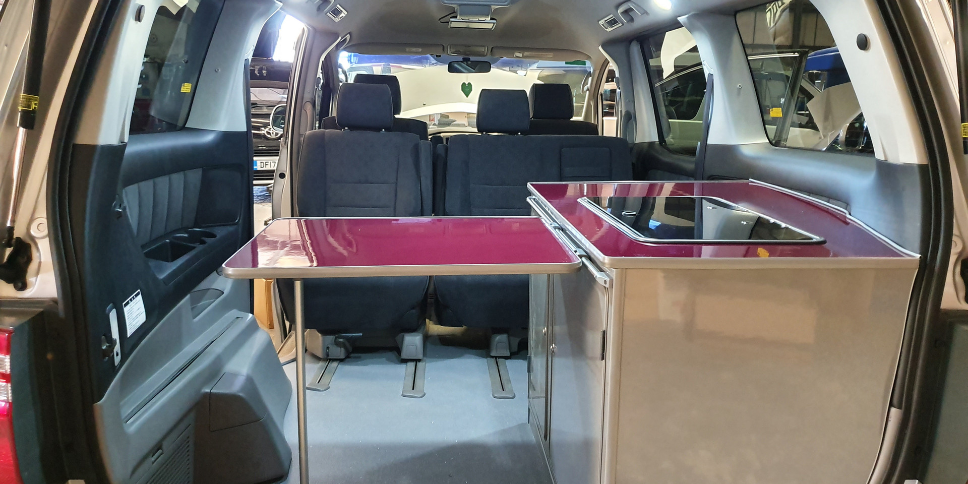 Rear Pod - Toyota Alphard