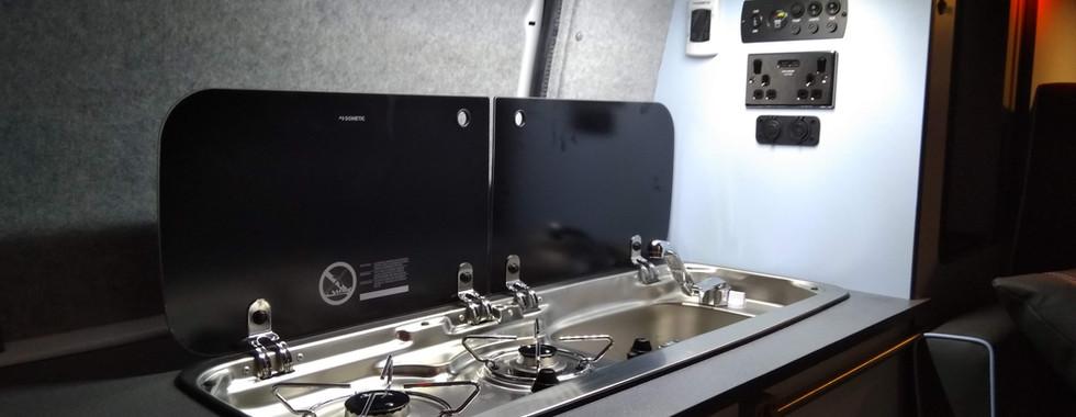 Mercedes Vito Bespoke Conversion (18).jp