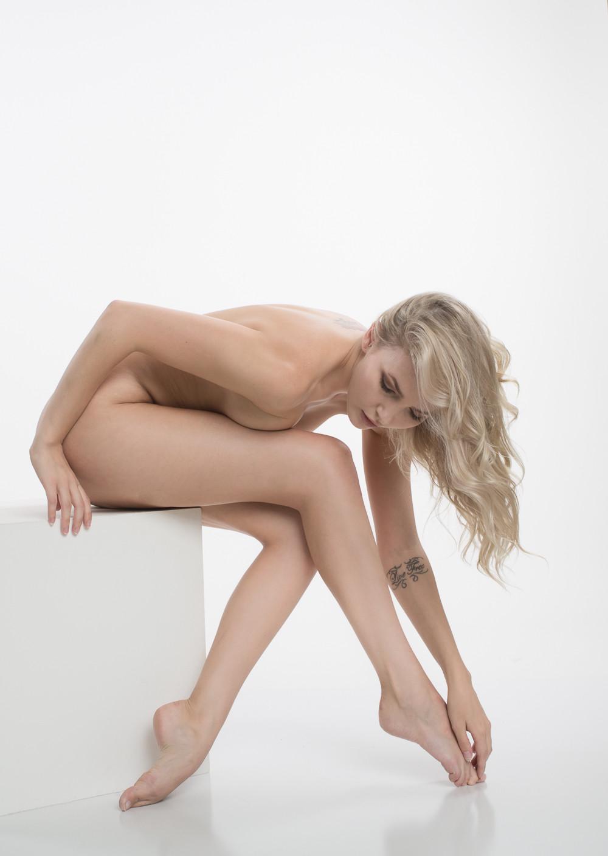Model Sylph Sia