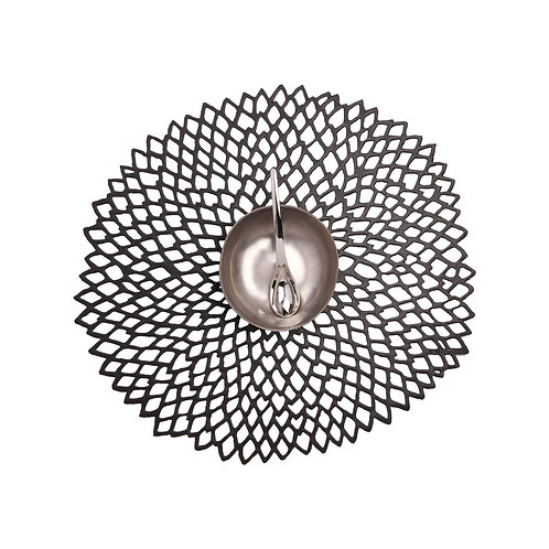 "Chilewich ""Dahlia"" Round Placemat in Black"